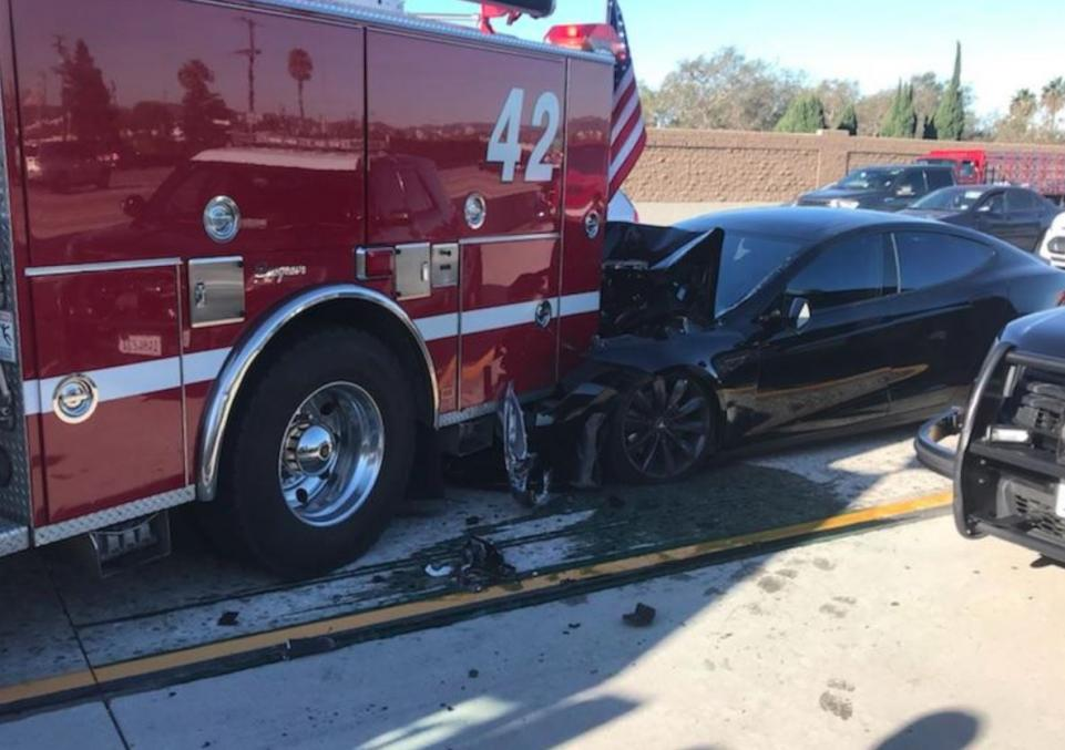 Semi-Autonomous Tesla Crashes Into Parked Fire Truck on California Freeway
