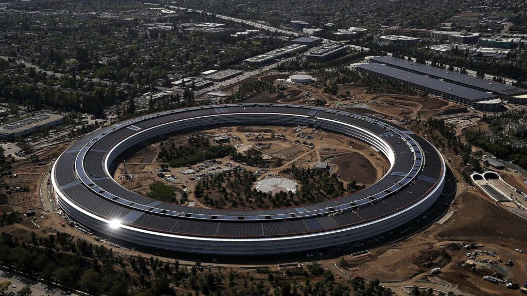 Apple Reportedly Pushing Back Return to Office Plans Amid Rising Covid-19 Cases